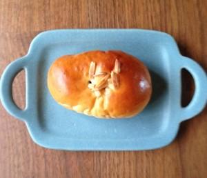 プティシアン 木の実あんパン